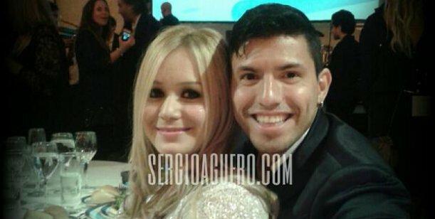 El Kun Aguero y Karina confirman su relación en cena del Garrahan