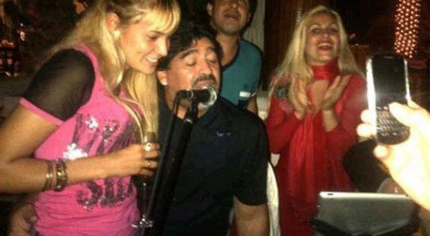 Más momentos de tensión entre Maradona y la prensa